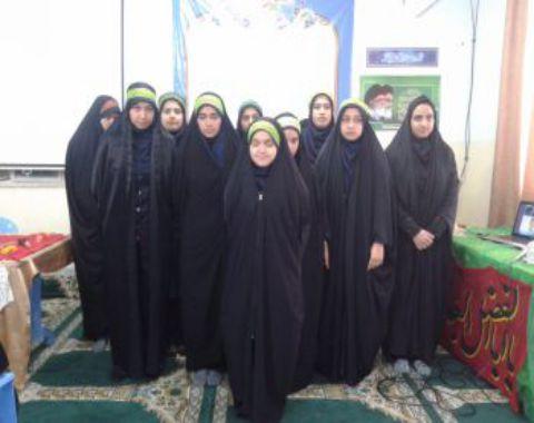 شرکت دانش آموزان در نمایشگاه عفاف و حجاب با هدف فرهنگ سازی پوشش اسلامی