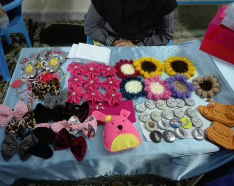 برگزاری بازارچه کار آفرینی و دست سازه های دانش آموزی